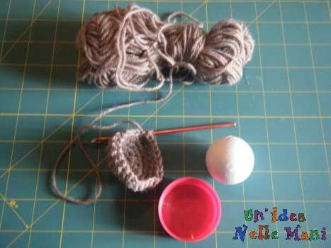 come fare simpatico puntaspilli a crochet
