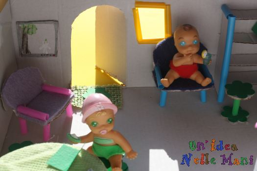 Bambini e riciclo come fare una casa delle bambole for Case facili da costruire