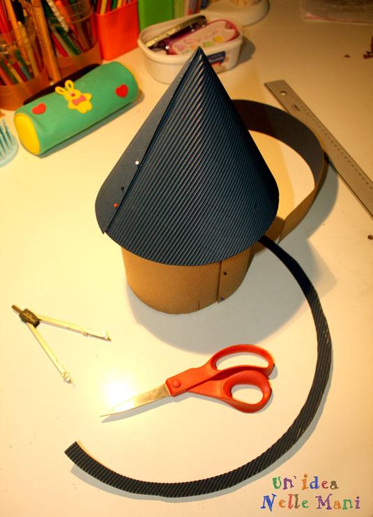 Come fare una una casetta in cartone e stoffa tutorial - Casette di cartone da costruire ...