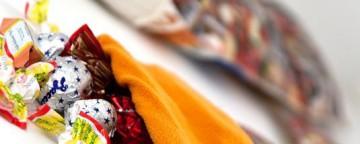Calza della Befana: come farla con la carta usata dei regali...