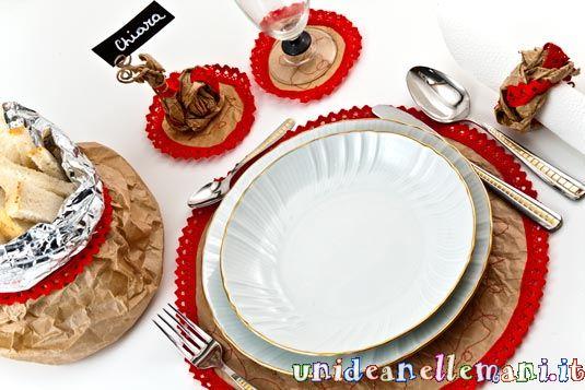 Decorare Tavola Natale Fai Da Te : Come apparecchiare la tavola a capodanno con la carta del pane