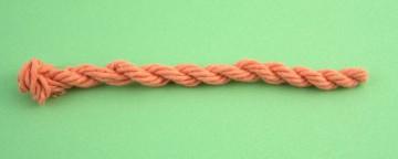 Come fare cordoncini con avanzi di lana o fili di cotone