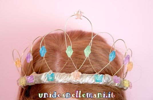 come fare corona da principessa per carnevale, copricapo carnevale,