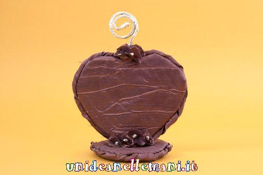 portafotografie a forma di cuore, s.valentino, riciclo, lavoretti per s.valentino