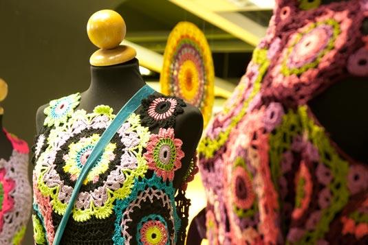 fiera abilmente primavera 2011,abiti a crochet, riciclo centrini