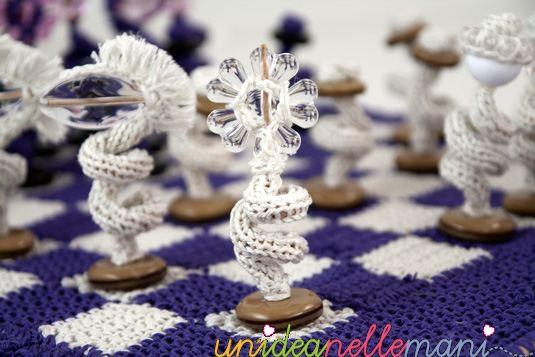 scacchi all'uncinetto, riciclo bottoni, scacchiera all'uncinetto, scacchiera da viaggio, fai da te, chessboard crochet