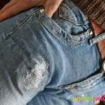 rammendare jeans, jeans strappati, toppe nei jeans, cucire toppe, decori jeans,