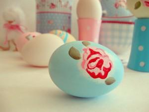 uova di pasqua decorate stile vintage