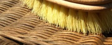 Rimedi per la casa: come pulire le sedie in vimini del giard...