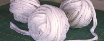 Fettuccia di cotone: come ricavarla riciclando vecchie magli...