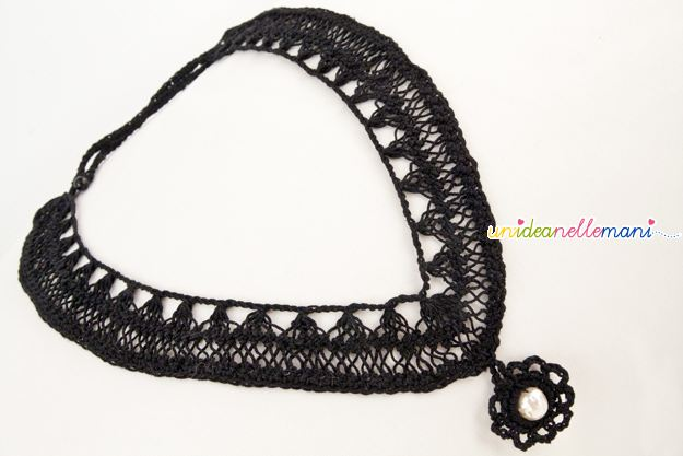 collana all'uncinetto, ciondolo all'uncinetto, uncinetto a forcella, forcella, bijoux a crochet, collana fai da te,