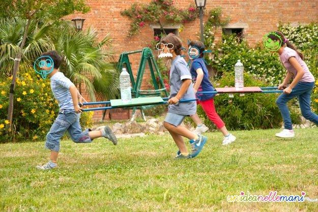 giochi per bambini, giochi all'aperto, corsa, giochi a squadre
