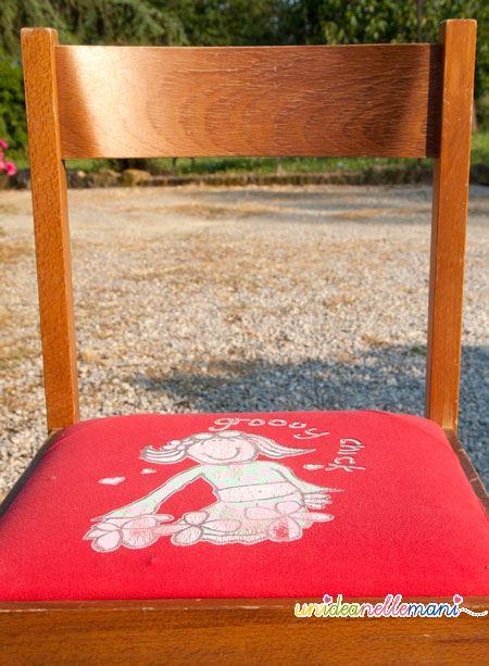 Riciclo creativo rivestire le sedie con vecchie magliette for Rivestimento sedie