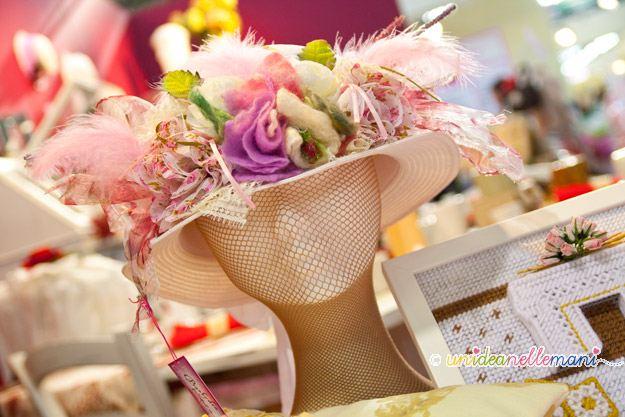 cappello fai da te, decorazioni in feltro, fiore in feltro