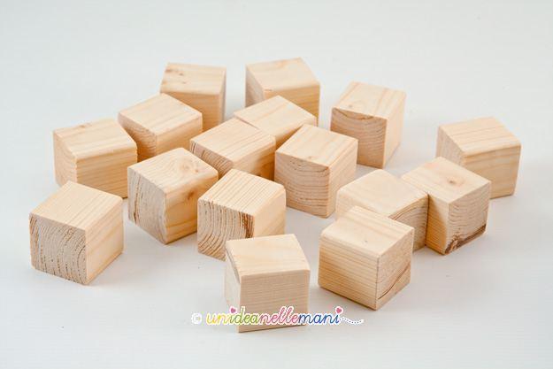 Regalo fai da te per bambini il puzzle con i cubi di legno for Cubi in legno per arredare