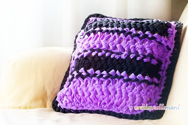 crochet pillow, cuscino all'uncinetto, lavori con la forcella,