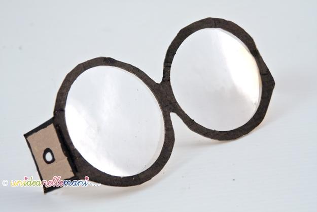 Cartone animato con occhiali immagine di vettore