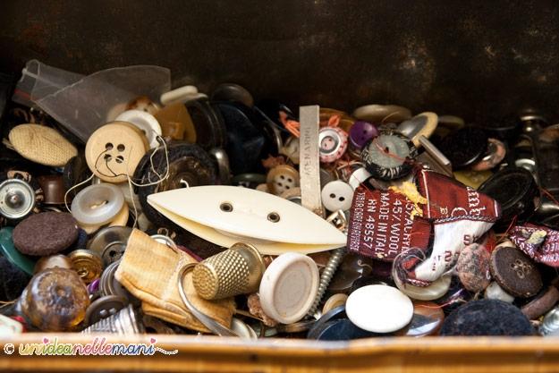 vecchi bottone, scatola di latta, bottoni vintage,