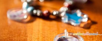 Piccoli gioielli e ciondoli speciali