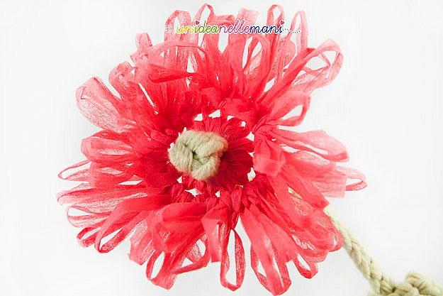petali fiori uncinetto, fiori uncinetto, schema fiori uncinetto, tutorial fiori, fiori con i petali, fiori uncinetto con gambo, fiori uncinetto con stelo, lavorazione in tondo,