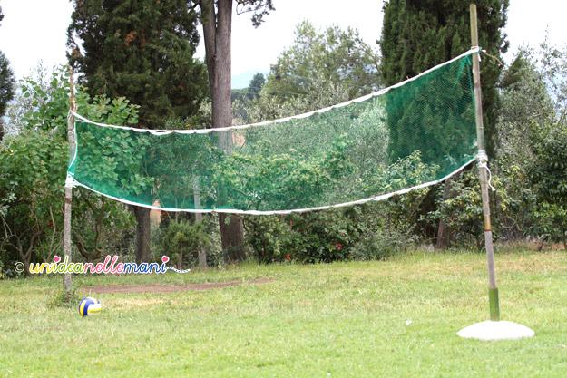 rete da pallavolo, rete pallavolo fai da te, costruire rete pallavolo, rete plastica, cucire rete, rete per rampicanti,