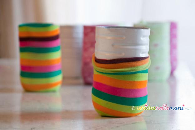 portapenne, portapenne fai da te, riciclo bottiglie plastica, craft organizer, riciclo calze, calze colorate,