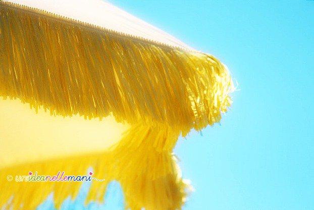 riciclo ombrellone, ombrellone giallo, ombrellone frange,