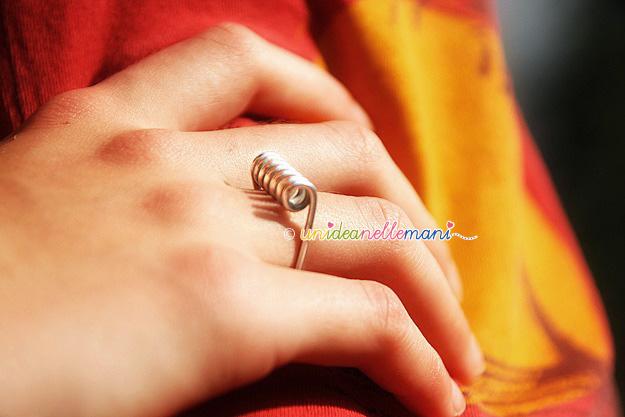 mollette bucato, riciclo mollette, molla mollette, anelli strani, anelli originali, anelli stravaganti,