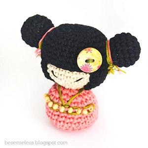 kokeshi doll, bambola amigurumi, bambola uncinetto, doll amigurumi, amigurumi, personaggi amigurumi, lavori amigurumi,