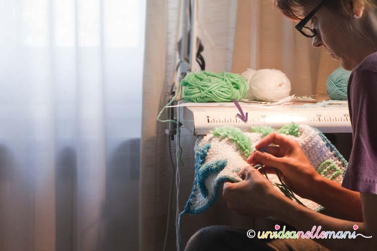 ricamo, ricamo su maglia, ricamo lana, ricamare lettere,