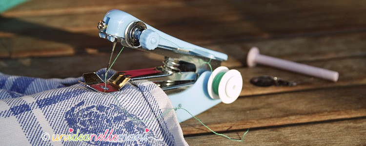 Mini macchina per cucire tascabile funziona for Mini macchina per cucire