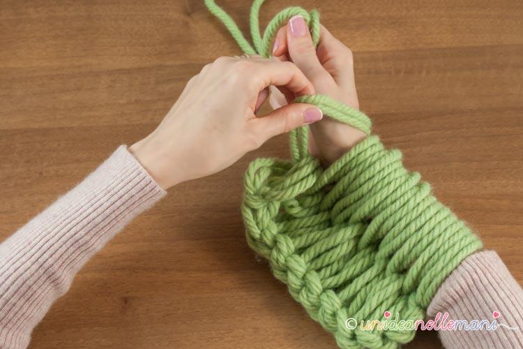 fare-la-maglia-con-le-braccia-11