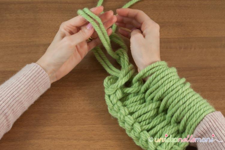 fare-la-maglia-con-le-braccia-12