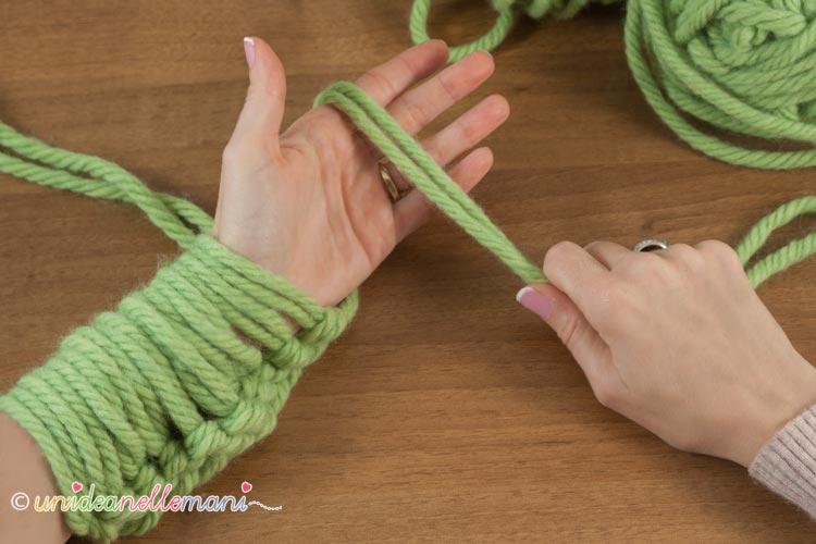 fare-la-maglia-con-le-braccia-7