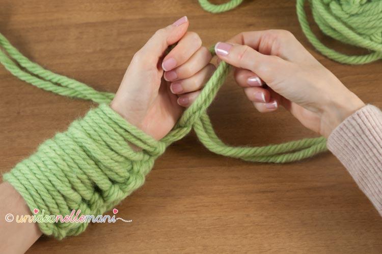fare-la-maglia-con-le-braccia-8