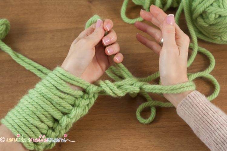 fare-la-maglia-con-le-braccia-9