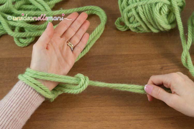 fare-la-maglia-senza-ferri-5
