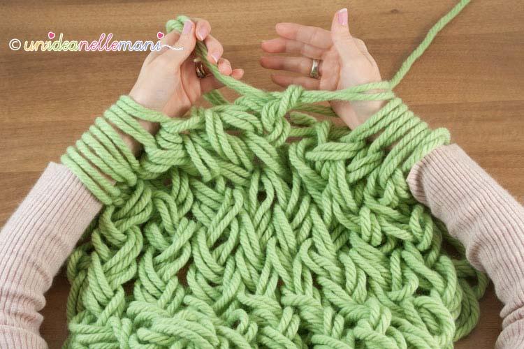 Coperta Con I Ferri.Arm Knitting Come Fare La Maglia Senza Ferri