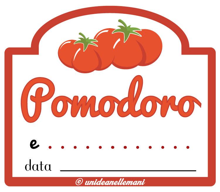 etichetta passata di pomodoro e altri ingredienti