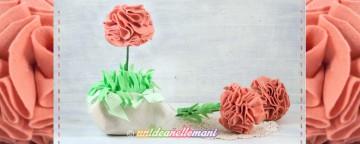 Come fare un grazioso vaso con fiori in feltro