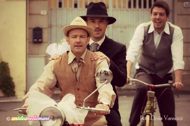 matrimonio-vintage-sposo-in-moto