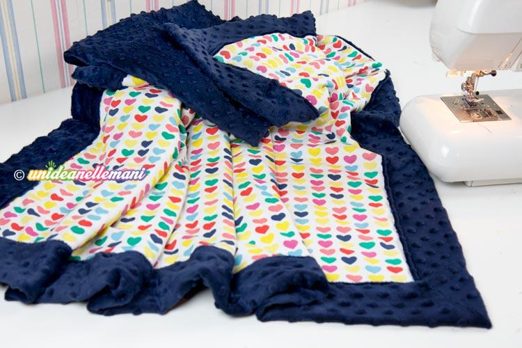 Come cucire facilmente una copertina per bambini o per la for Macchina per cucire per bambini