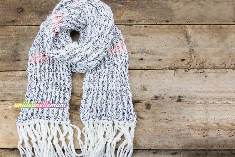 rivenditore di vendita 92d8b 212ad Come fare una sciarpa di lana all'uncinetto a coste