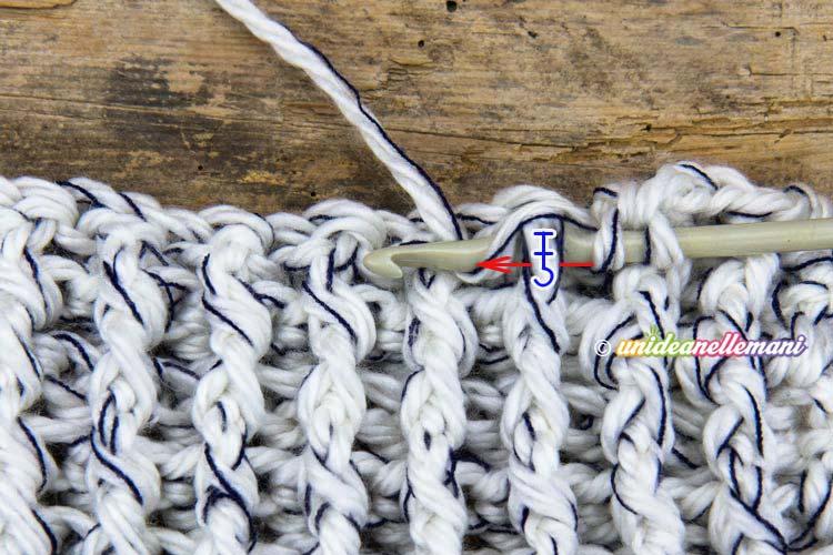 uncinetto maglia alta in rilievo davanti